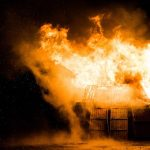 Incendiu în cartierul CFR din Bacău VIDEO