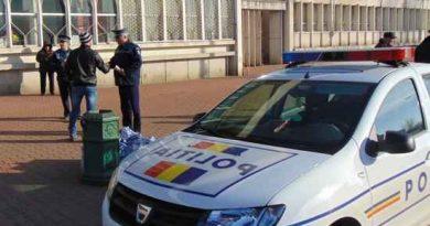 Depistat de poliţişti la volan, băut şi fără permis